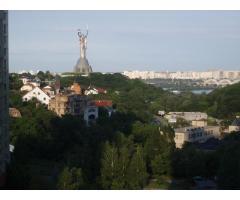 Продам 3-х комнатную квартиру на Староноводницкой (Печерск)