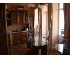 Продам 2-х комнатную квартиру в центре Киева-дёшево