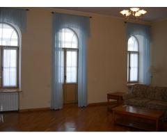 Продам 5-и комнатную квартиру на Ярославом Валу