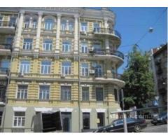 Продам 5-и комнатную - 2х уровневую квартиру в центре Киева
