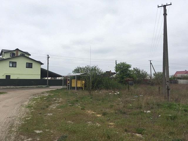 Продам участок в селе под Киевом
